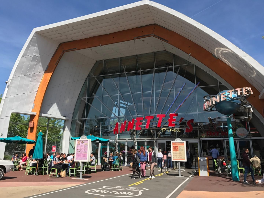 Foto vom 12. April 2017 11:56, Annette's diner, Disneyland Paris, Disney Village, 77700 Chessy, Frankreich