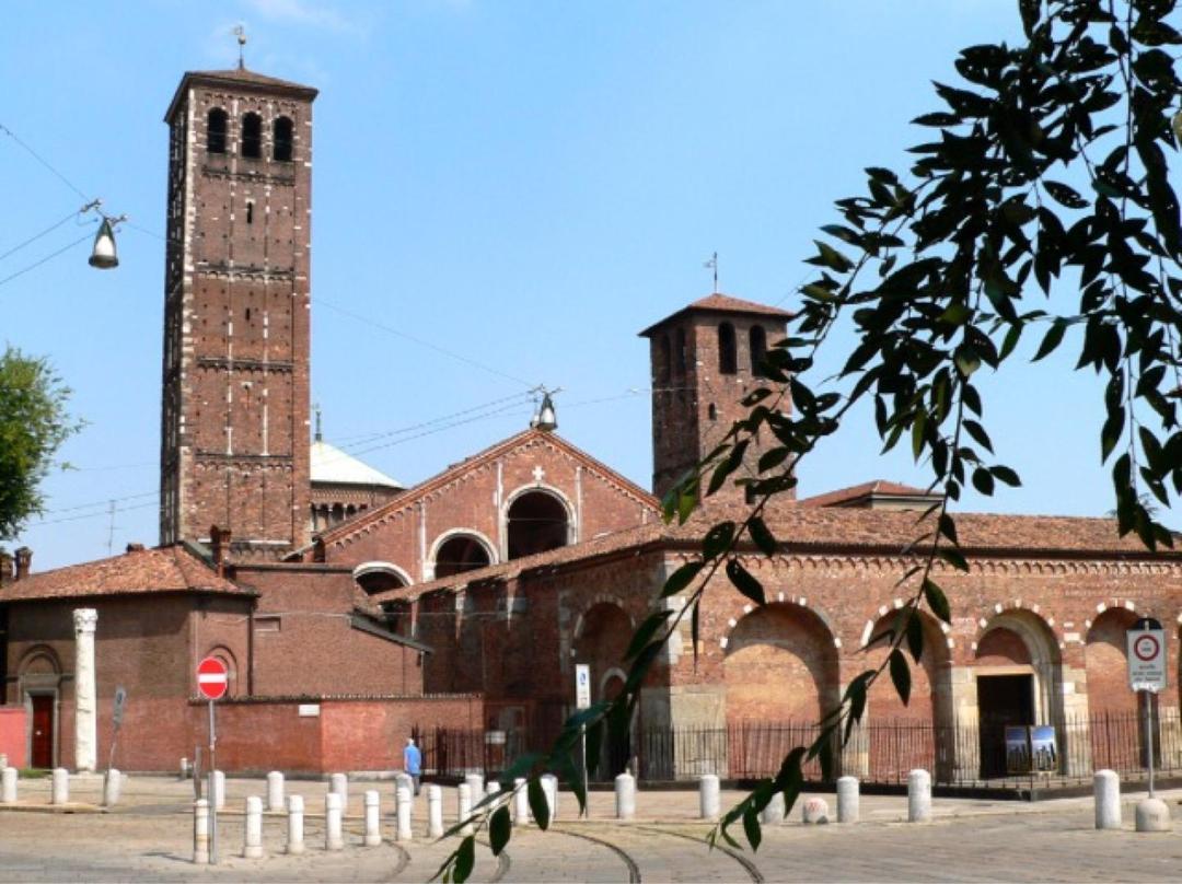 Photo of the April 30, 2017 9:45 PM, Basílica de San Ambrosio, Piazza Sant'Ambrogio, 15, 20123 Milano MI, Italie