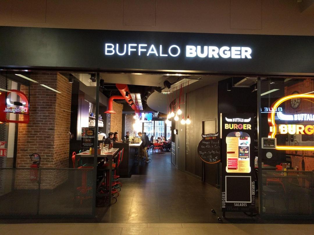 Foto del 28 de abril de 2017 18:15, Buffalo Burger, Centre commercial Rive Etoile, 3 Place du Dauphine, 67100 Strasbourg, France