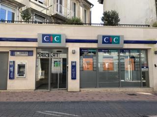 Foto del 28 de abril de 2017 15:03, CIC, 10 Rue Couraye, 50400 Granville, Francia