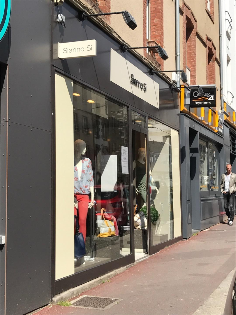 Foto vom 2. Mai 2017 14:08, Sienna Si, 71 Rue Couraye, 50400 Granville, Frankreich