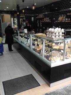Foto del 1 de abril de 2017 9:45, les Fromagers, 62 Rue de Paris, Les Lilas, France
